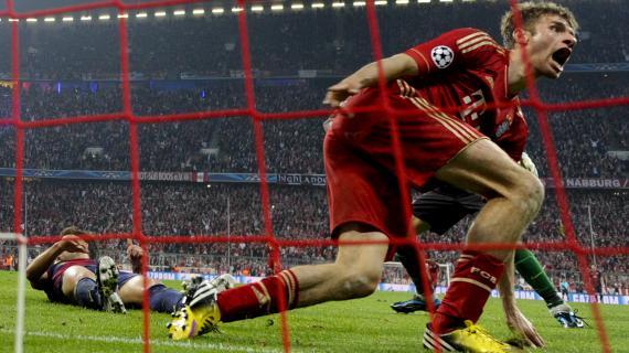La joie du buteur du Bayern, Thomas Müller, lors de l'écrasante victoire 4-0 de son équipe sur le FC Barcelone, le 23 avril 2013.
