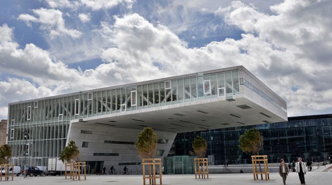 Le Centre régional de la Méditerranée, à Marseille, dessiné par l'architecte italien Stefano Boeri.