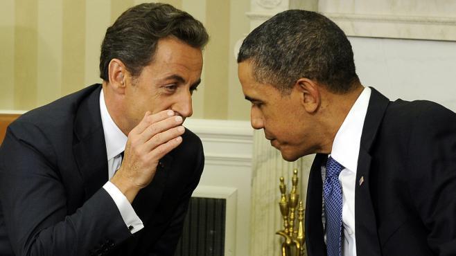 Nicolas Sarkozy et Barack Obama, dans le bureau ovale, à la Maison Blanche (Washington), le 1er novembre 2011.
