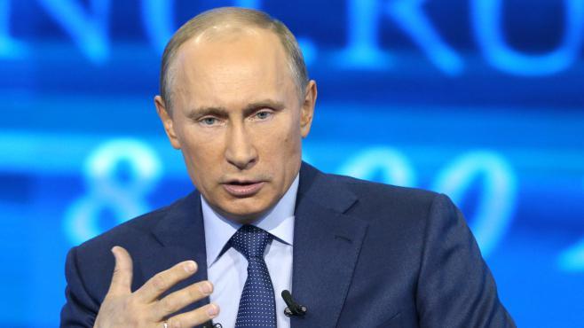Le président russe, Vladimir Poutine, lors d'une émission retransmise sur plusieurs chaînes russes, le 25 avril 2013.