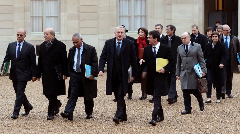 Les membres du gouvernement à la sortie de l'Elysée, à Paris, le 3 janvier 2013.