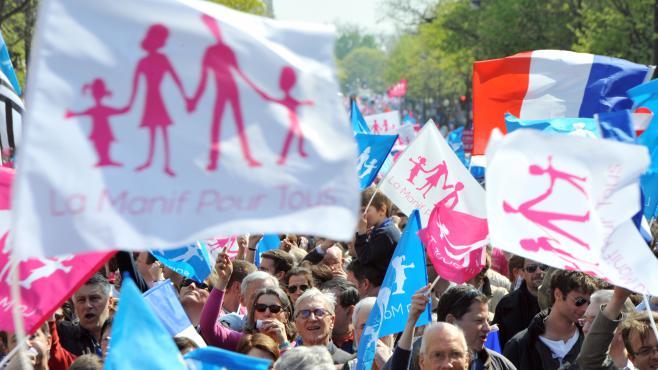 Des opposants au mariage pour tous du collectif la Manif pour tous défilent à Paris, le 21 avril 2013.