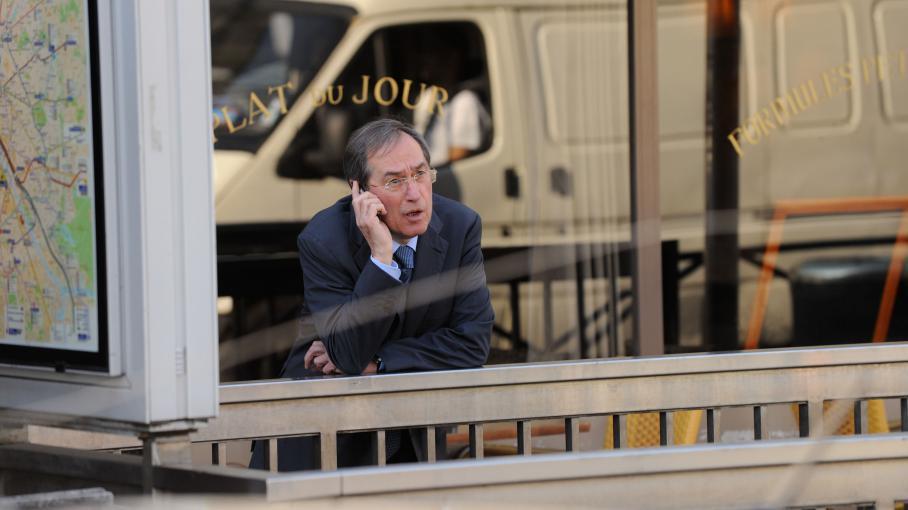 Claude Guéant lors de sa campagne législative, le 24 mai 2012, à Boulogne-Billancourt (Hauts-de-Seine).