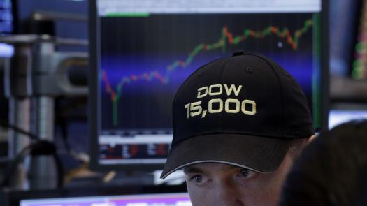 Le Dow Jones a brièvement passé la barre des 15 000 points,un niveau historique,en cours de séance le 3 mai 2013.