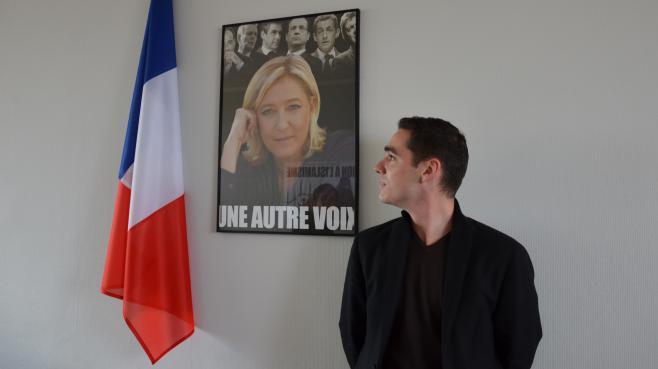 Etienne Bousquet-Cassagne dans le nouveau local du Front National du Lot-et-Garonne, le 3 mai 2013 à Agen (Lot-et-Garonne).