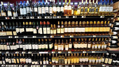 Surtaxe américaine : les exportations de vins français au ralenti