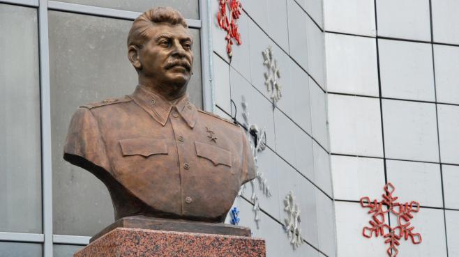 La statue de Staline érigée à Iakoutsk (Russie), le 8 mai 2013.