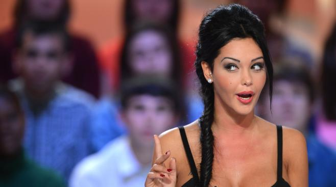 "Nabilla lors de l'émission ""Le grand journal"", sur Canal +, le 11 avril 2013."
