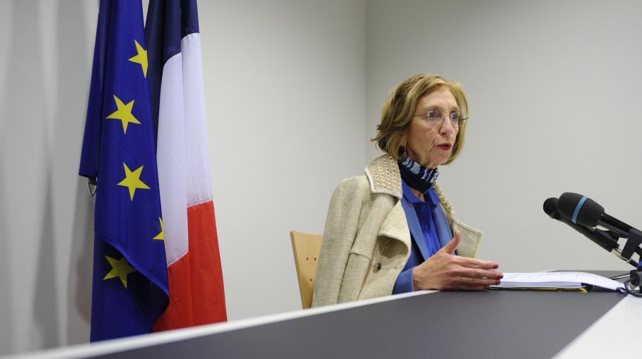 Nicole bricq ministre du commerce ext rieur invit e du soir 3 for Ministre du commerce exterieur