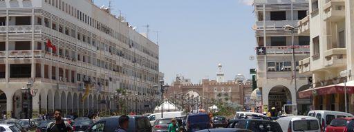 Un exemple parmi d\'autres des traditionnels embouteillages à Sfax le 12 juin 2013.