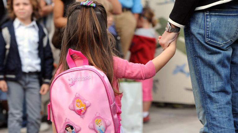 Les parents d'élèves reprochent à la ville de Paris son manque de préparation pour mener à bien la réforme des rythmes scolaires à la rentrée 2013.