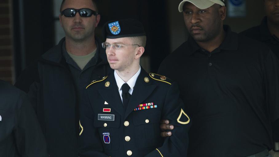 Le soldat américain Bradley Manning, le 20 août 2013, à sa sortie du tribunal militaire de Fort Meade (Etats-Unis).