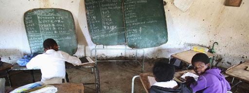 b2b6f3399db Salle de classe dans une école du village de Mwezeni