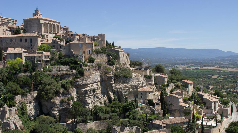 Une photo d 39 un village fran ais utilis e pour promouvoir le tourisme en turquie - Office du tourisme vaucluse ...