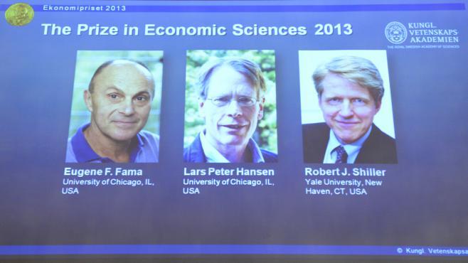 Les portraits des trois lauréats du prix de Nobel d'économie, les Américains Eugene Fama,Lars Peter Hansen et Robert Shiller, à Stockholm (Suède), le 14 octobre 2013.