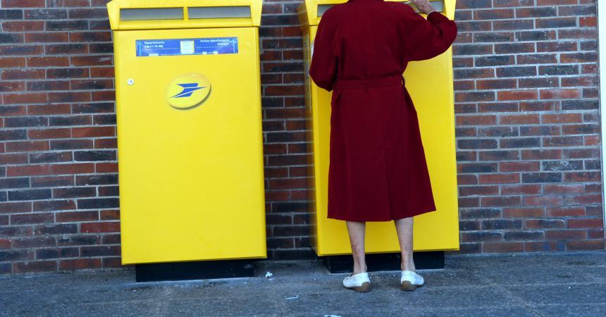 Bordeaux un nouveau bureau de poste sans boîte aux lettres