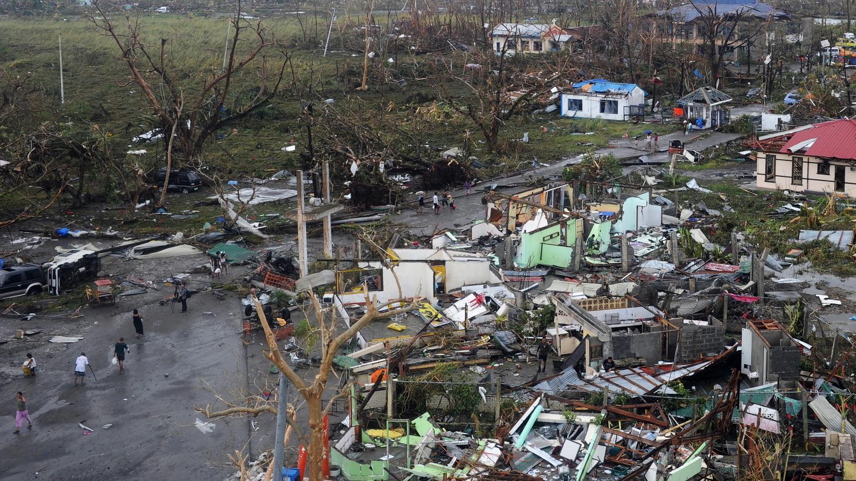 video philippines haiyan le typhon le plus puissant jamais connu. Black Bedroom Furniture Sets. Home Design Ideas