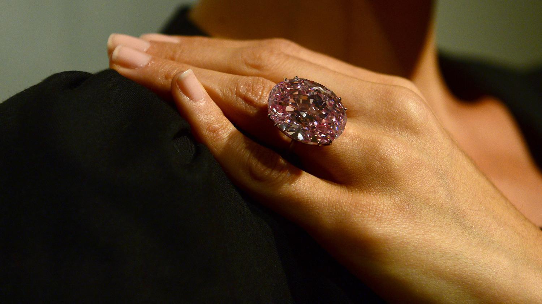 Pink Star Le Diamant Le Plus Cher Du Monde Vendu 61 65 Millions D
