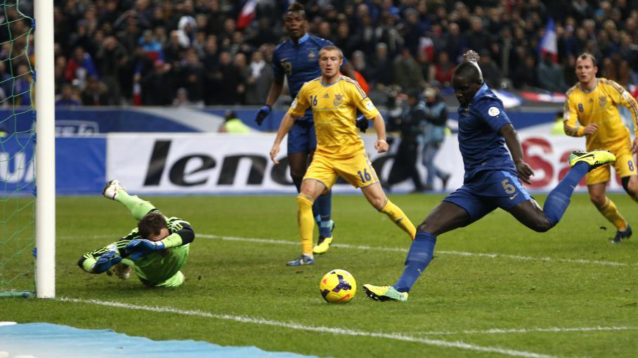 Coupe du monde 2014 les bleus r alisent l 39 exploit contre l 39 ukraine 3 0 - Jeux de foot match coupe du monde ...