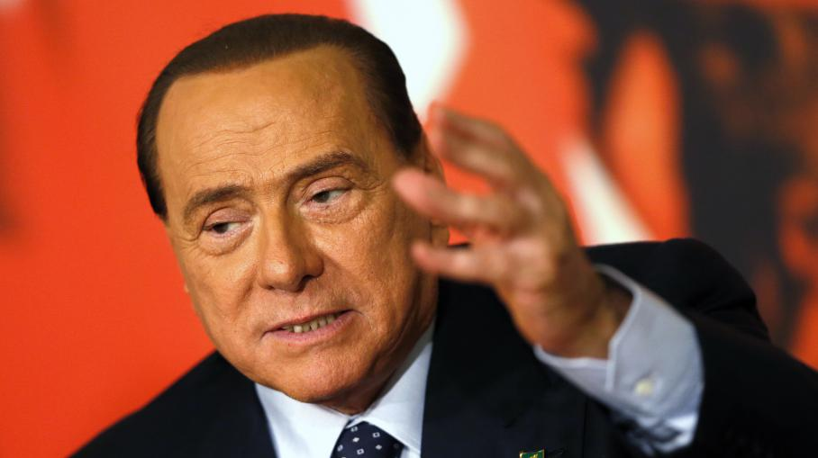 video silvio berlusconi bient t chass du parlement italien. Black Bedroom Furniture Sets. Home Design Ideas