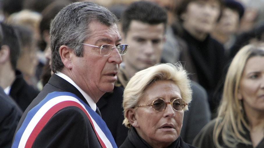 Le député-maire UMP Patrick et son épouse Isabelle Balkany, le 2 mars 2009 à Levallois-Perret (Hauts-de-Seine).