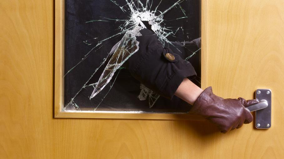 Dans plus de 54% des cambriolages, le voleur est entré en forçant la porte d'entrée.