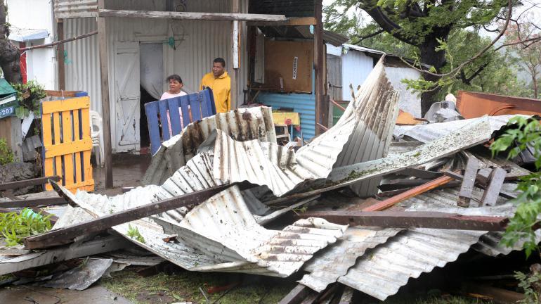 direct apr s le passage du cyclone bejisa la r union panse ses plaies. Black Bedroom Furniture Sets. Home Design Ideas