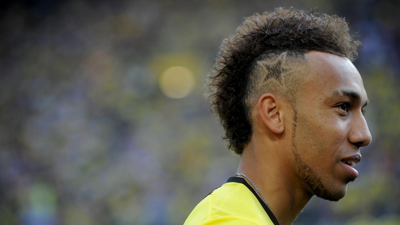 Video cr te ou catogan de l 39 art de se coiffer quand on est footballeur - Coupe de cheveux de footballeur ...