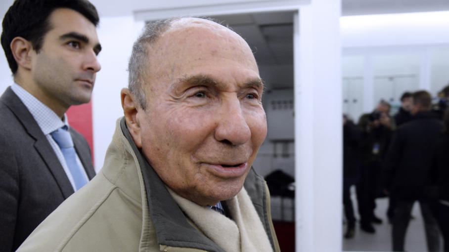 Serge dassault vis par une plainte pour association de malfaiteurs - Porter plainte pour abandon de famille ...