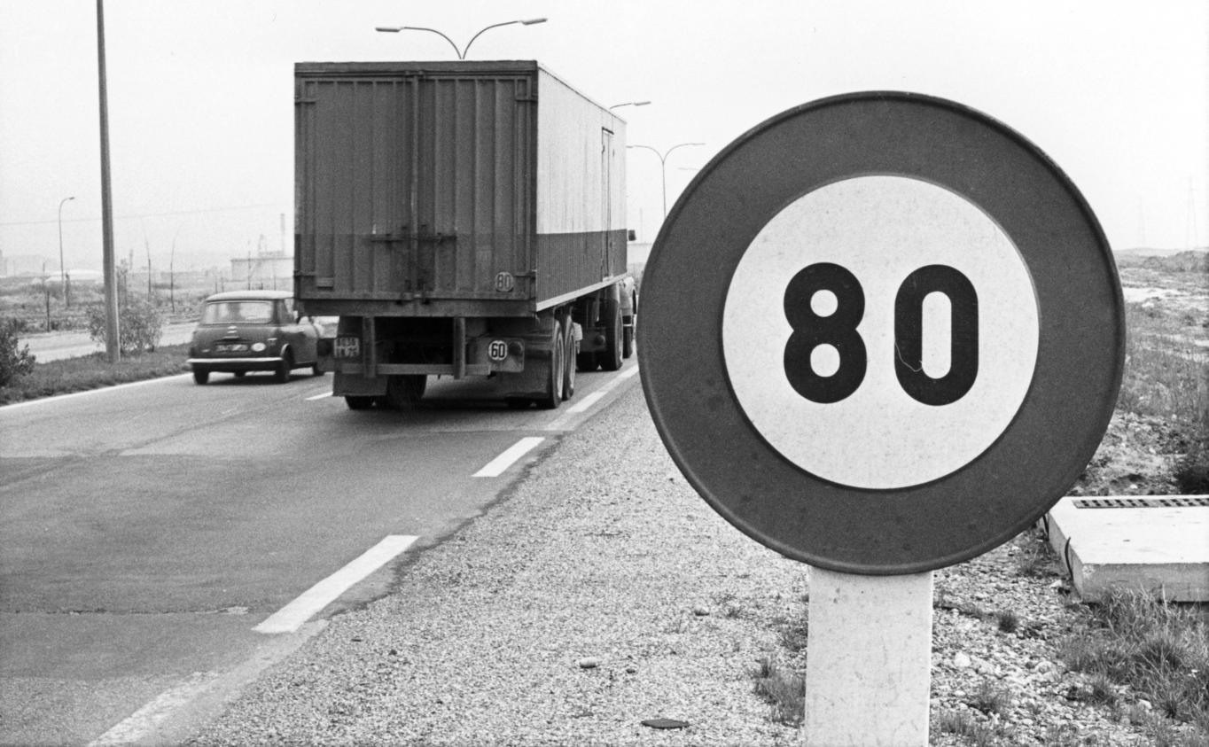 video s curit routi re la vitesse abaiss e 80km h sur certaines routes. Black Bedroom Furniture Sets. Home Design Ideas