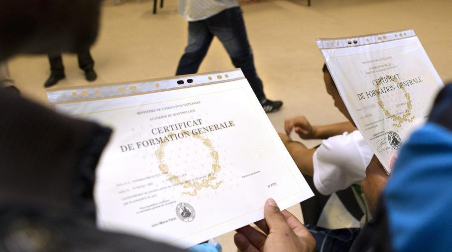 Remise de diplômes aux détenus de la maison d'arrêt de Villeneuve-lès-Maguelone (Hérault), le 12 avril 2011.