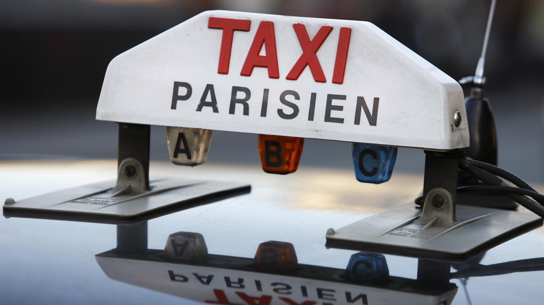 quand uber veut transformer les parisiens en chauffeurs de taxi. Black Bedroom Furniture Sets. Home Design Ideas