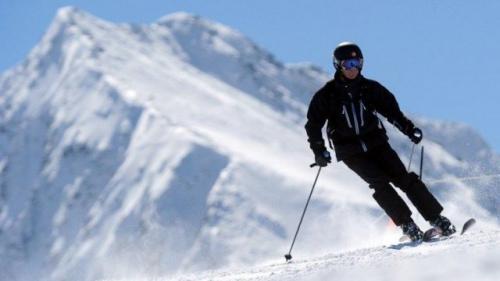 VIDEO. A l'Alpe d'Huez, les skieurs goûtent déjà à la neige