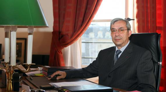 L'avocat général à la Cour de cassation Gilbert Azibert, le 24 juillet 2008 à Paris.