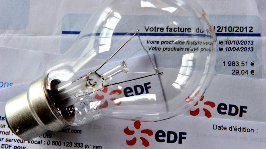 En juillet 2012, le gouvernement Ayrault avait limité à 2% la hausse des tarifs réglementés, exclusivement proposés par EDF. Le Conseil d'Etat a annulé cette hausse, le 11 avril 2014.