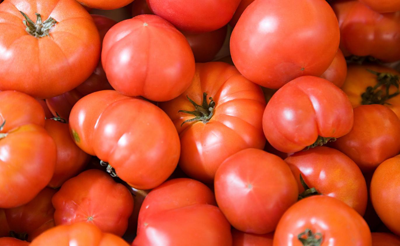 video le march de la sauce tomate italienne juteux et parfois frauduleux. Black Bedroom Furniture Sets. Home Design Ideas
