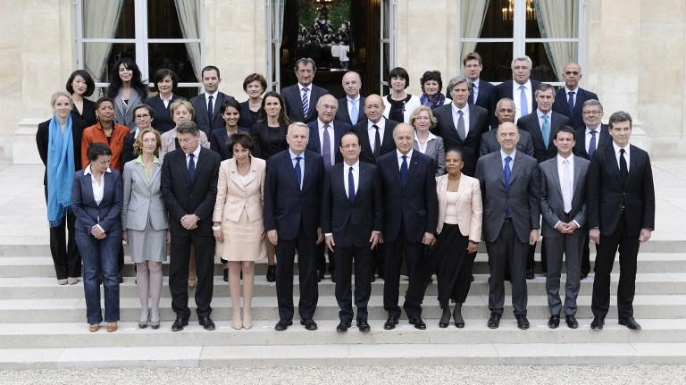 Photo de famille du gouvernement Ayrault, le 17 mai 2012.