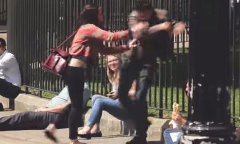 VIDEO. Royaume-Uni : une vidéo choc pour défendre les hommes battus