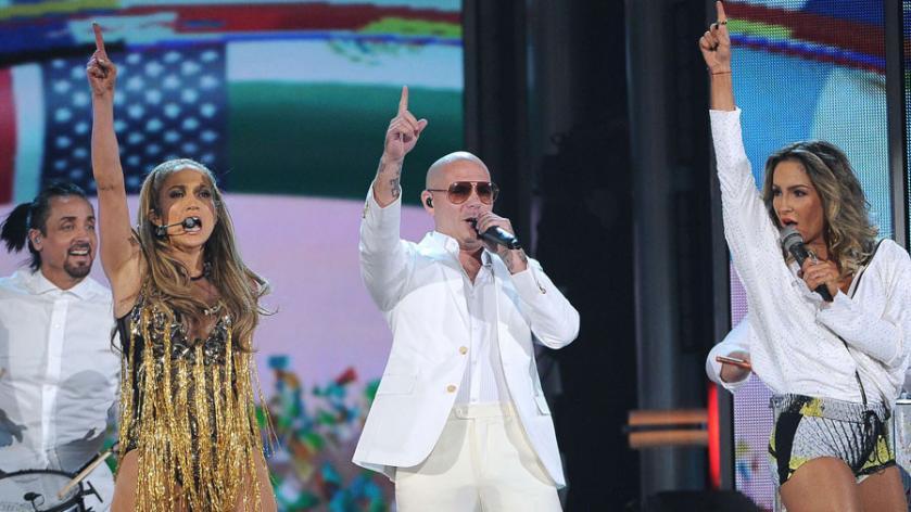 Pitbull datant JLo