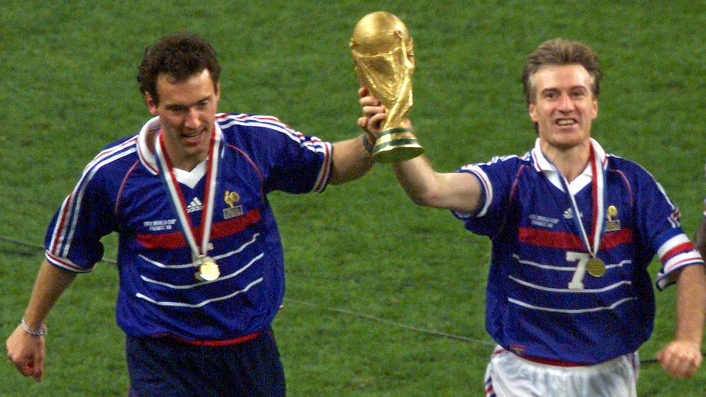Coupe du monde en 1998 j 39 ai dormi avec la coupe raconte deschamps - Joueur coupe du monde 98 ...