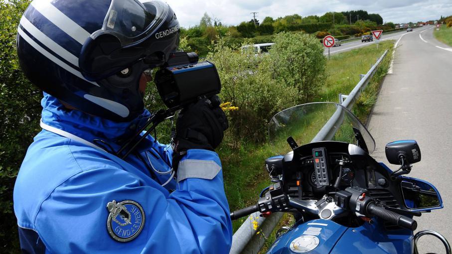 Deux conducteurs flashés à 244 km/h sur l'autoroute A62, en octobre 2013, ont été relaxés devant le tribunal d'Agen, le 19 juin 2014.