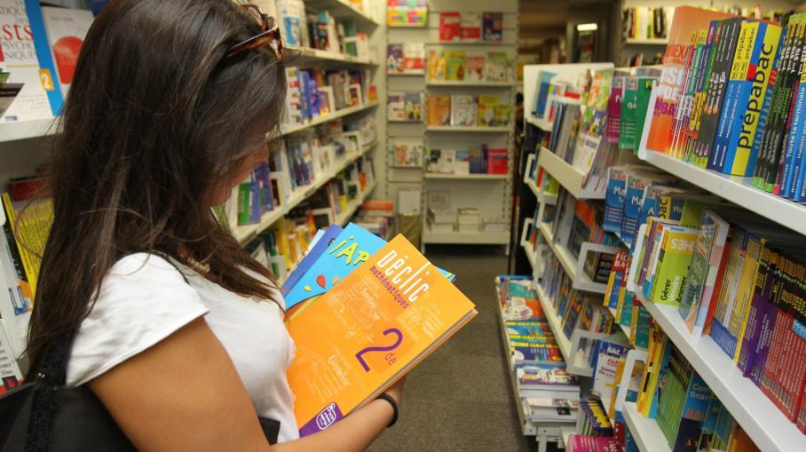 Un rapport sénatorial présenté mercredi 2 juillet 2014 montre que de nombreux stéréotypes sexistes persistent dans lesmanuels scolaires.