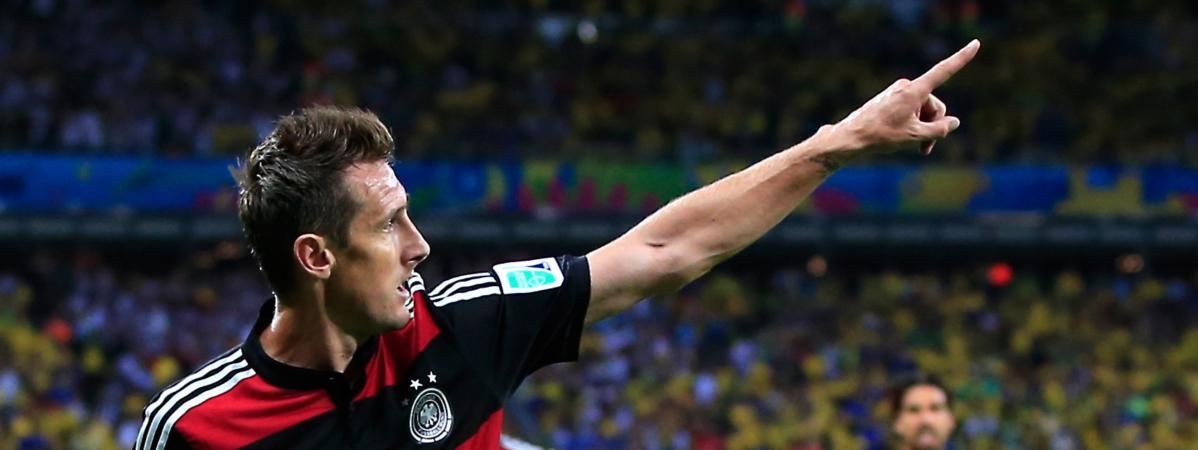 Avec 16 buts l 39 allemand miroslav klose devient le meilleur buteur de l 39 histoire du mondial - Meilleur buteur en coupe d europe ...