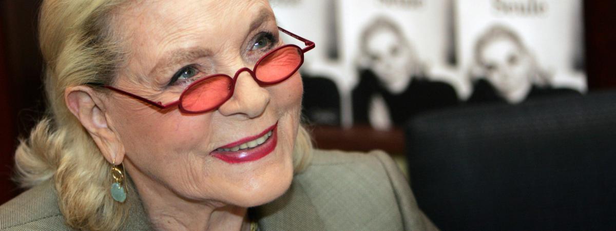 l 39 actrice am ricaine lauren bacall est morte l 39 ge de 89 ans. Black Bedroom Furniture Sets. Home Design Ideas