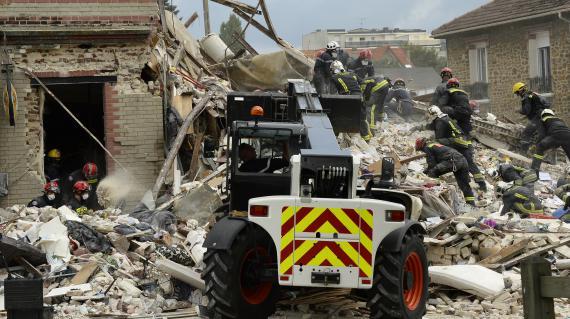 VIDEO Effondrement dun immeuble à Rosny  au moins deux  ~ Emploi Rosny Sous Bois