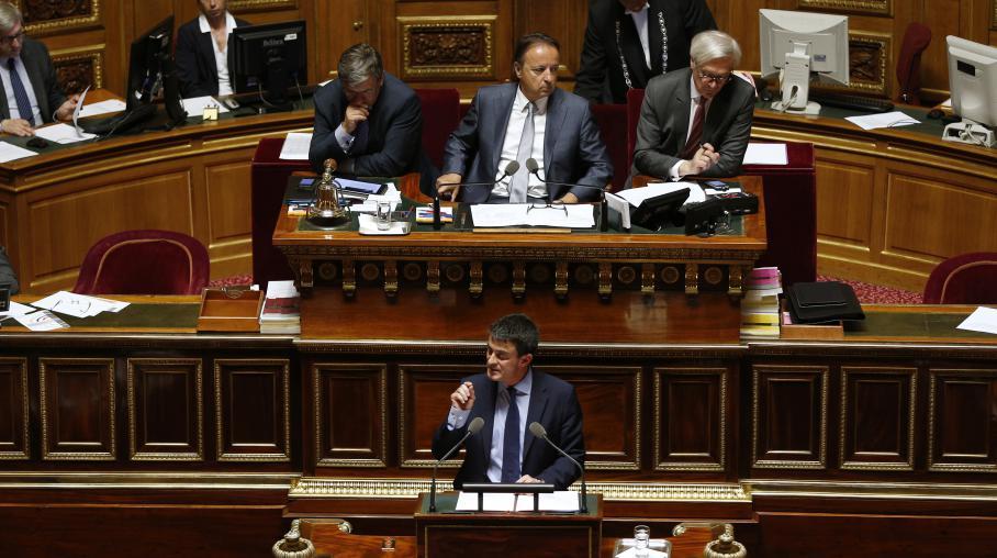Le Premier ministre, Manuel Valls, s'exprime à la tribune du Sénat, le 9 avril 2014.