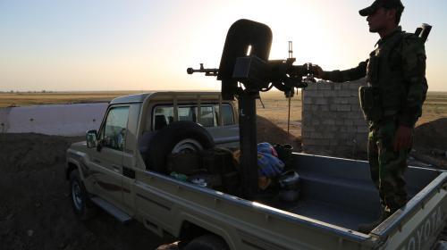 video la france livre des armes aux kurdes mais aussi des soldats francais