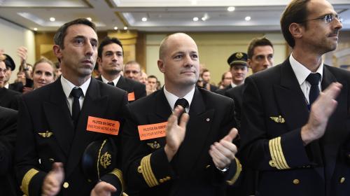 air france propose un accord a ses pilotes pour tenter de mettre fin a la greve