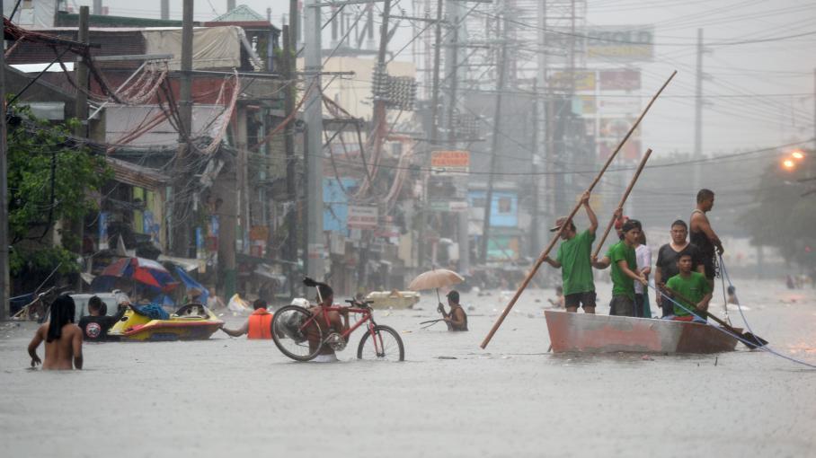 Video les philippines frapp es par une temp te tropicale - Piscine tropicale france ...