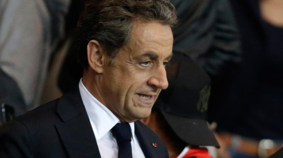 L'ancien président de la République Nicolas Sarkozy assiste au match PSG-Lyon, le 21 septembre 2014, au Parc des princes, à Paris.
